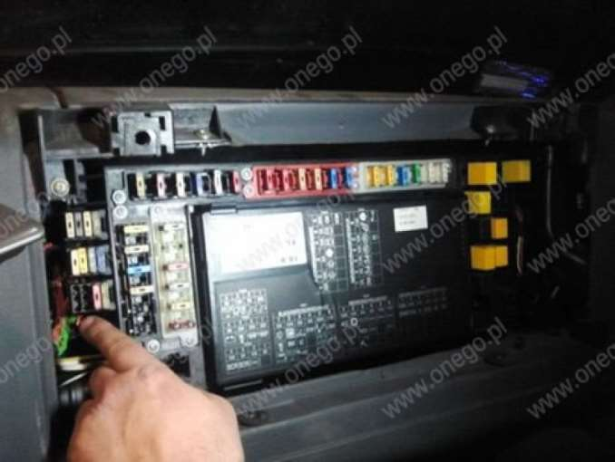 Thumb Iveco  Removing Fuses M